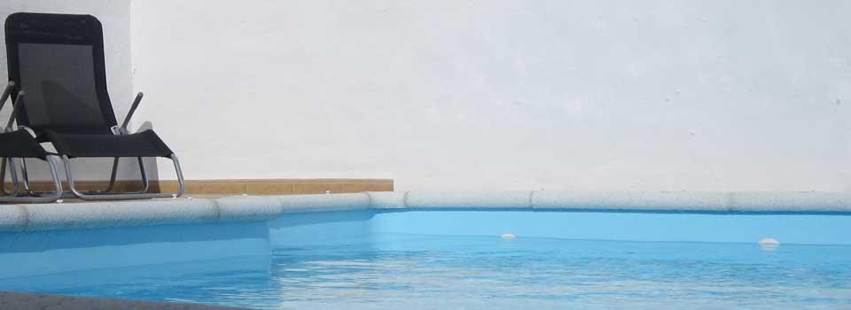 Svalende pool på 3x5 m.