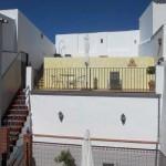 To høje terrasser og patio - set fra første sal i huset